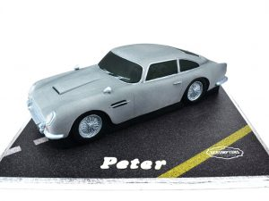 Aston-Martin-DB5-Car-Cake