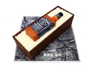 Jack-Daniel's-Whiskey-Bottle-Cake