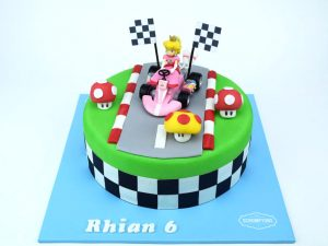 Mario-kart-Princess-Peach-Cake