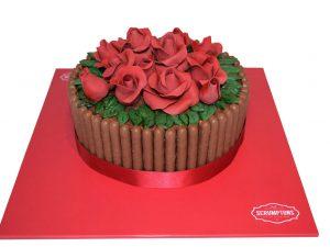 red-rose-cake